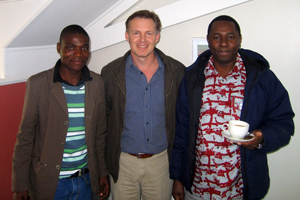 Assoc Justin O'Riain (middle), flanked by Rendani Malaudzi (left) and Dr Chris Musyoki